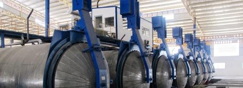 Proses pengeringan dan pematangan bata ringan AAC di sebuah pabrik berskala besar
