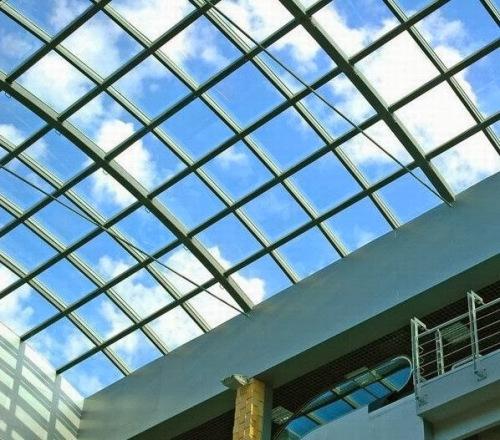 Penggunaan kaca laminated pada skylight