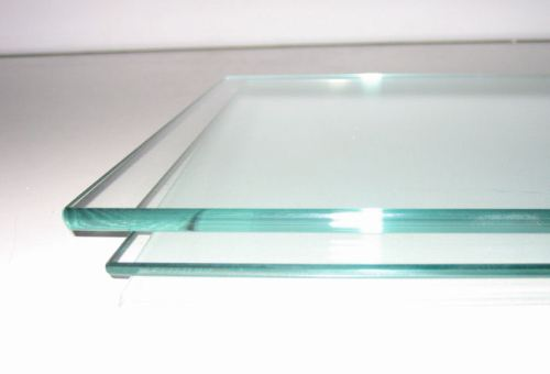 Kaca bening atau float glass