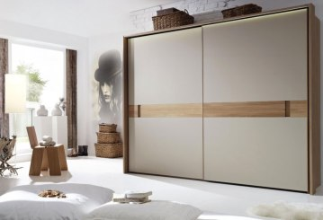 stylish-wardrobe-design-with-modern-sliding-doors-for-minimalist-bedroom-ideas-with-unique-wallpaper